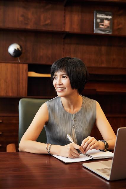 20年整合行銷經驗,業界稱「行銷槓桿魔法師」的美門整合行銷總監王麗蓉。